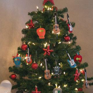 {Make It Monday} – Felt Christmas Ornaments