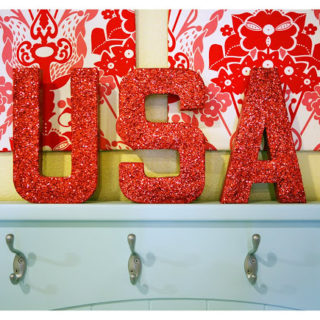 4th of July Mantle Inspiration & Decorating Ideas