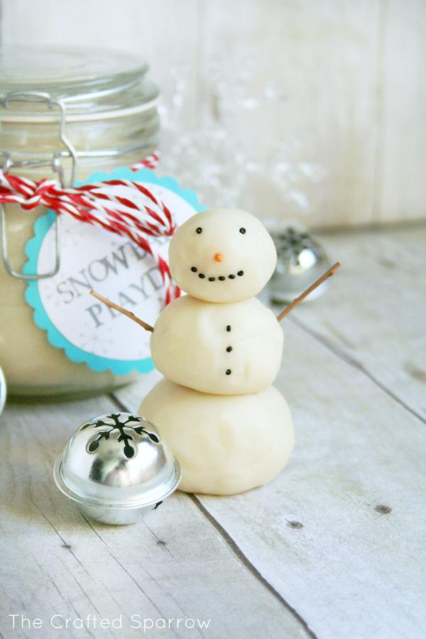 Snowball Playdoh 4
