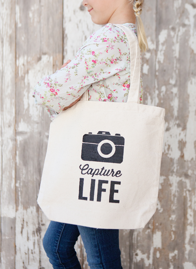 Capture-Life-Tote-Bag-Project