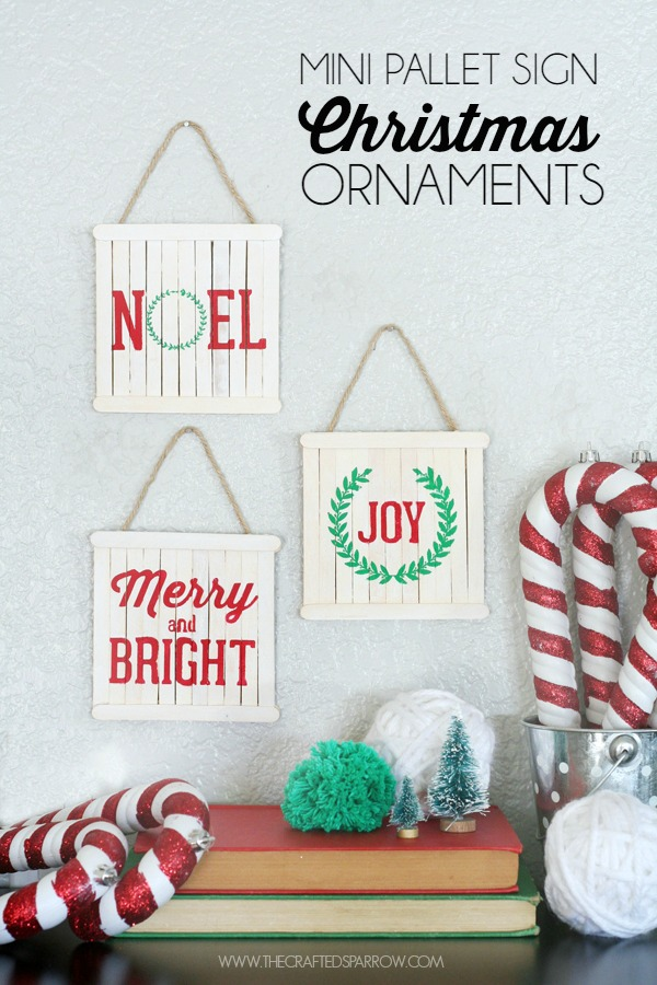 mini pallet sign ornaments - Pallet Christmas Decoration Ideas