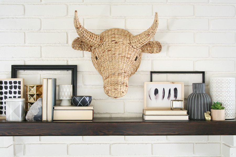 Black & White Mantel Decor 10