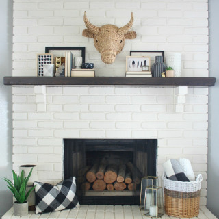 Black & White Mantel Decor