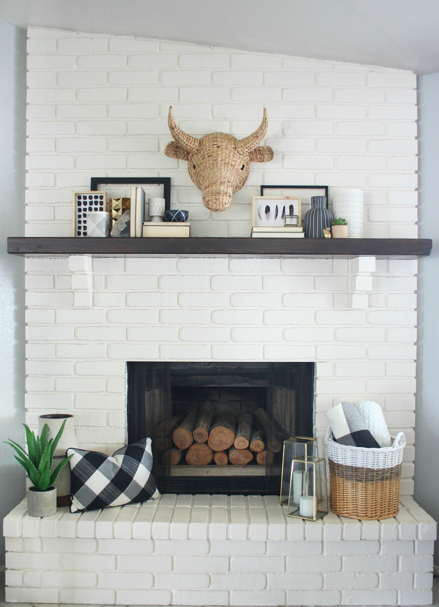 Black white mantel decor Decorative hearth