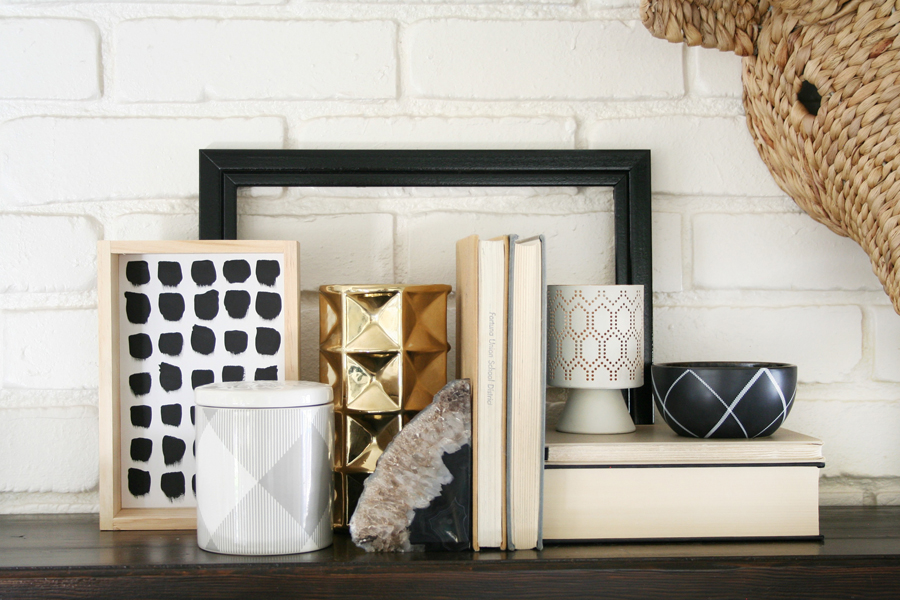 Black & White Mantel Decor 3