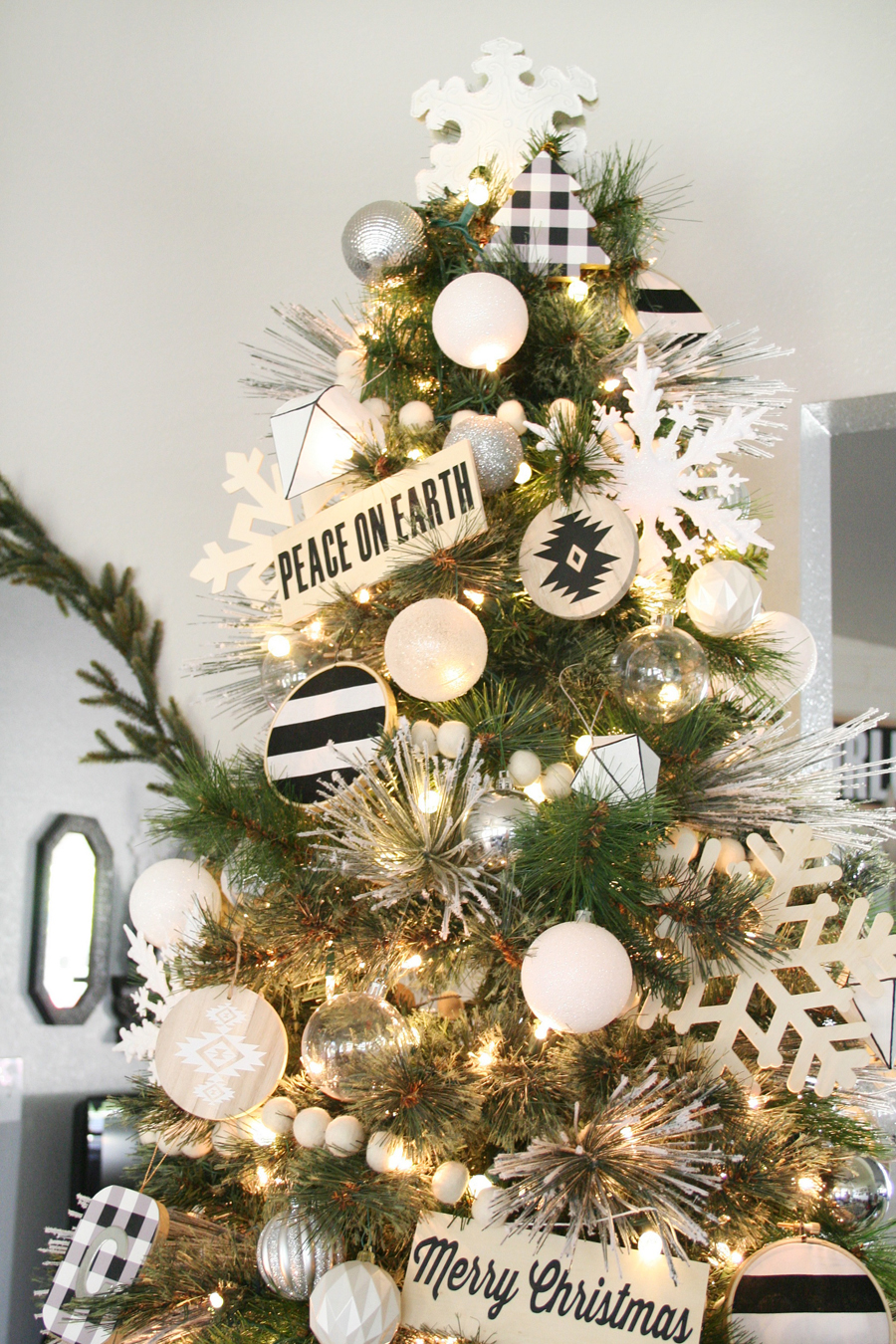 Black & Tree Christmas Tree Decor