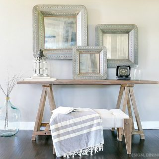 Farmhouse-Chic-Entry-Way-Table