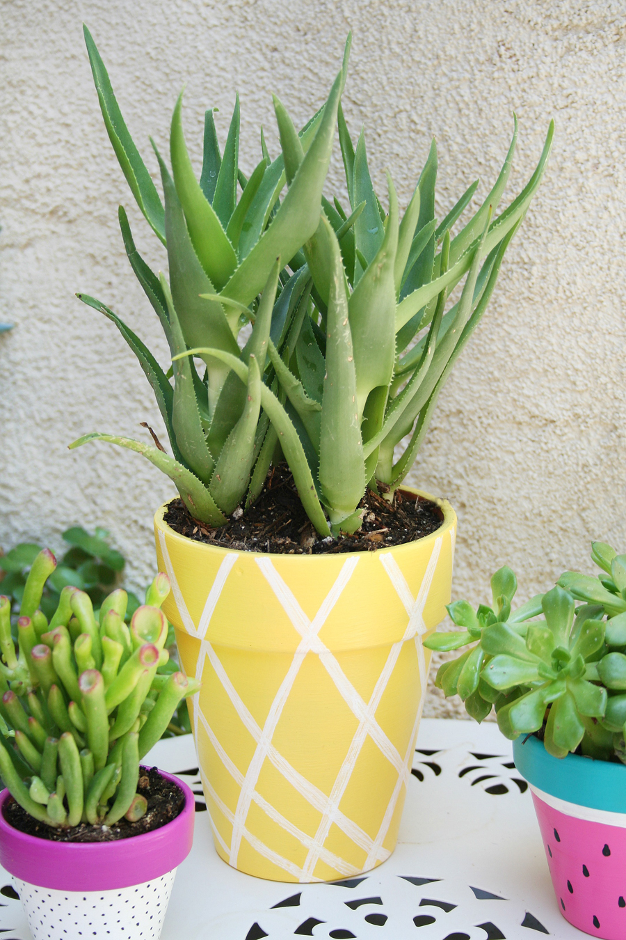 chalk furniture annie to sloan planter how set by makeover patio painted paint with planters