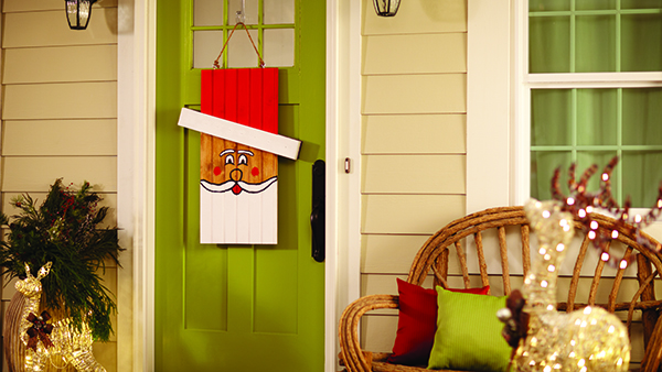 dih_16_seasonaldoorhanger_beauty_santa_edited