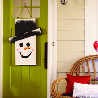 DIH Workshop Holiday Character Door Hanger