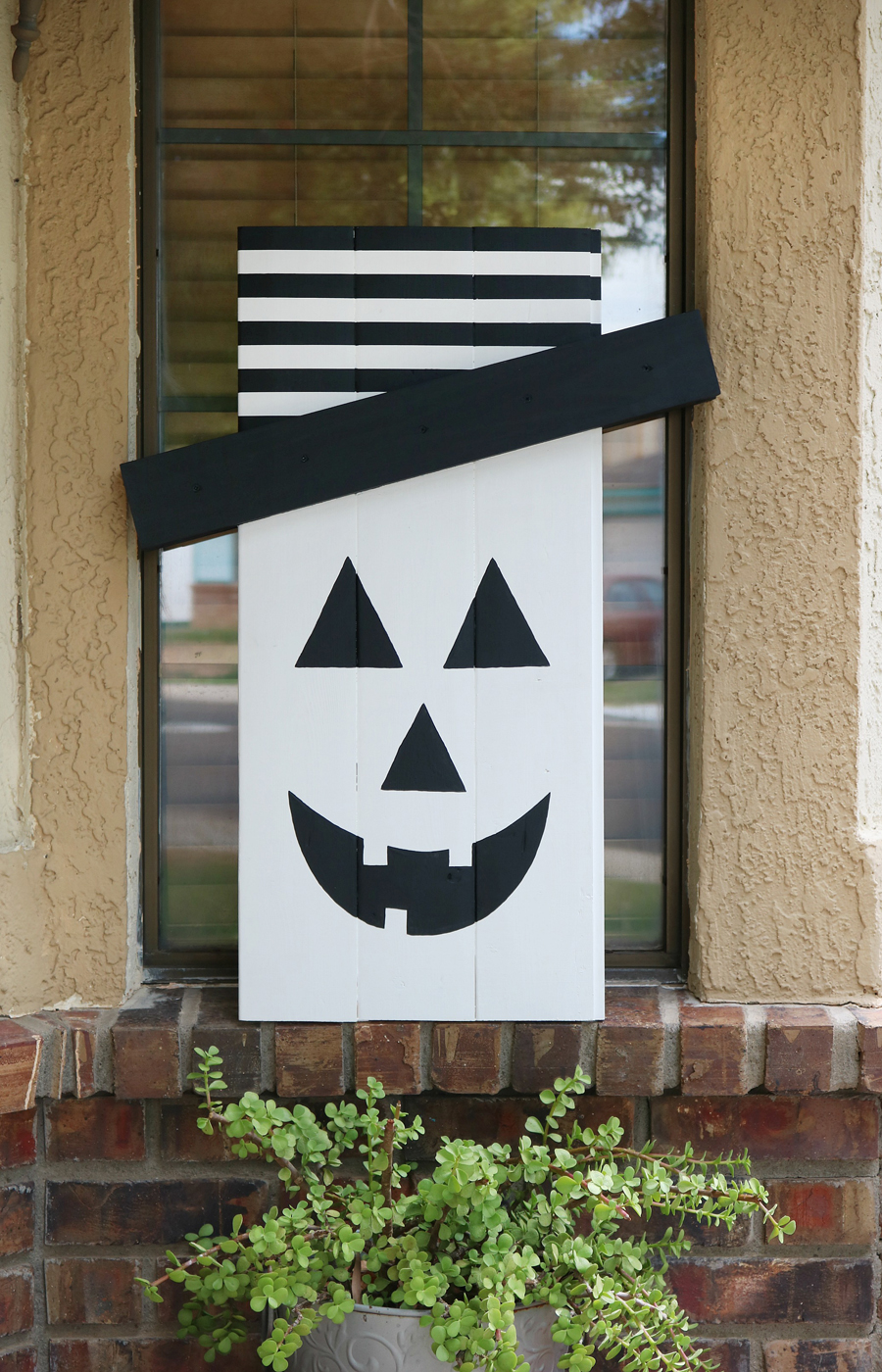 Seasonal Character Door Hanger