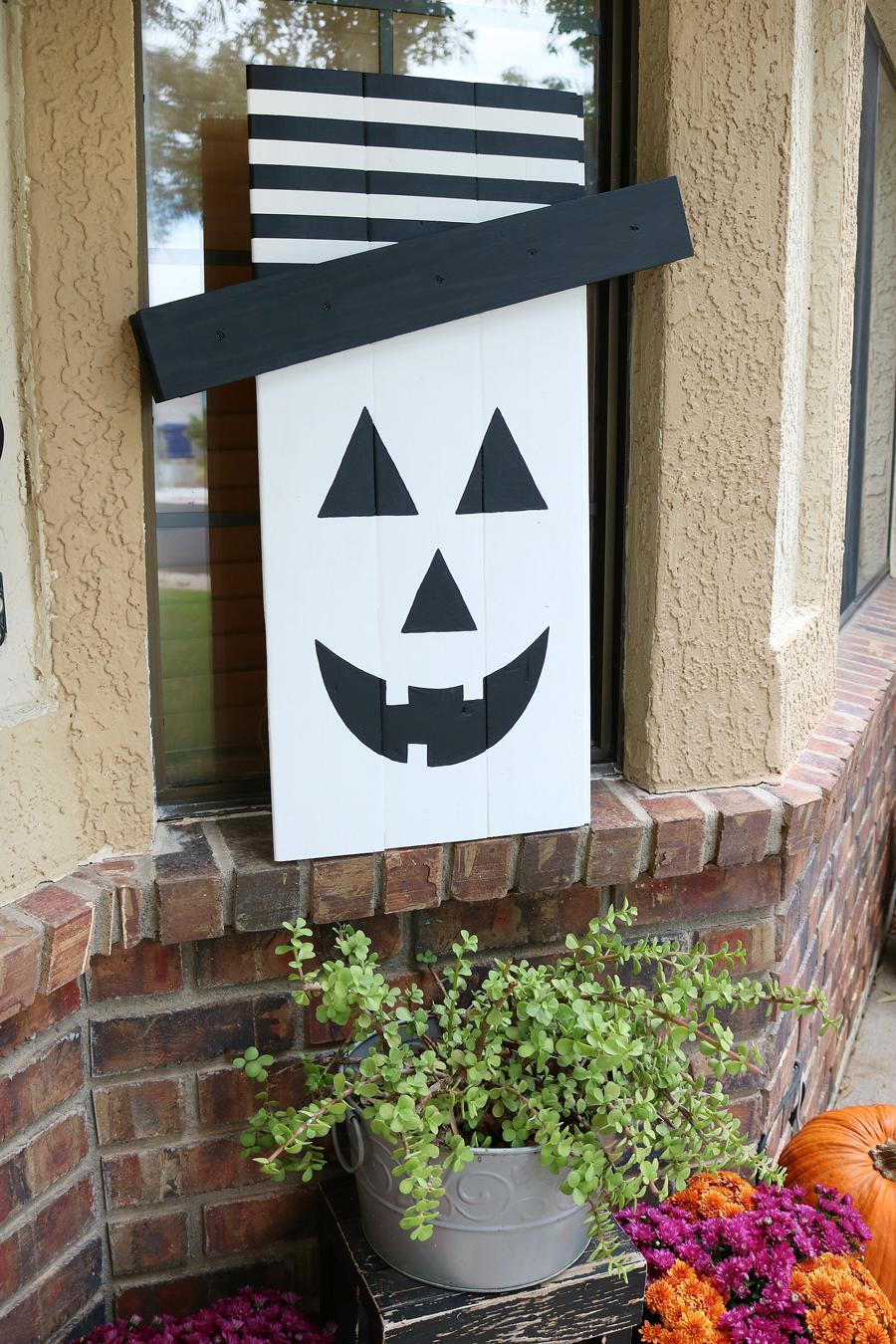 Seasonal Character Door Hanger