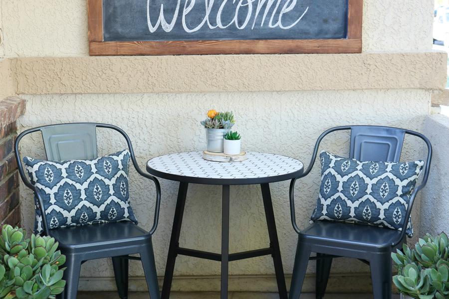 Black & White Spring Porch Refresh