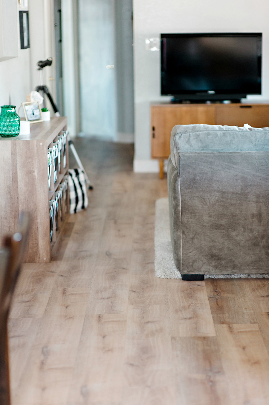 Look vinyl plank flooring from allure wood look vinyl plank flooring from allure dailygadgetfo Image collections