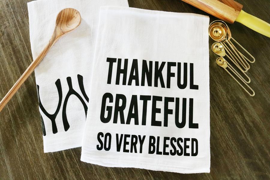 DIY Thanksgiving Tea Towels