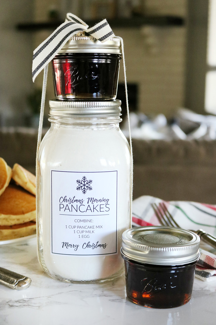 Christmas Morning Pancakes in a Jar Gift Idea