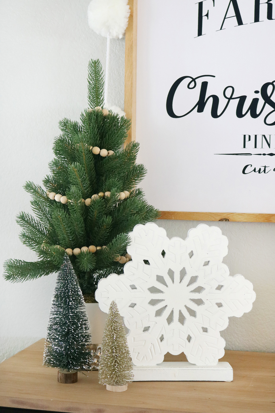 Black & White Simple Snowflake Christmas Entry Decor