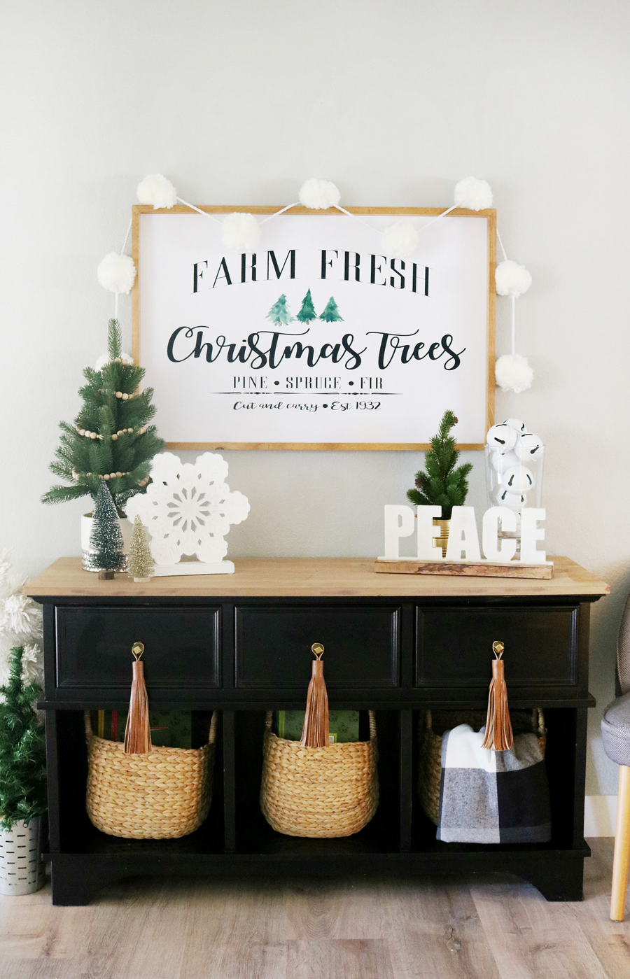 Black & White Simple Christmas Entry Decor