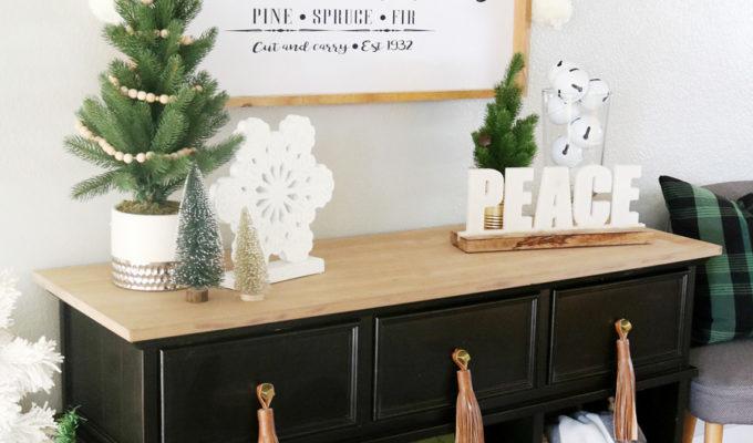 Black & White Simple Snowflake Christmas Entry Decor