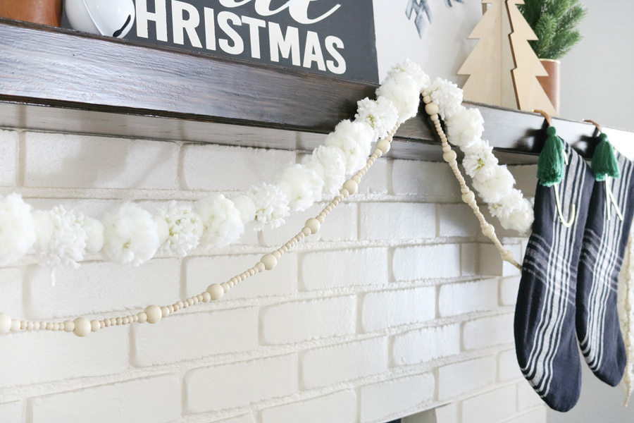 Black & White Modern Snowflake Christmas Mantel Decor
