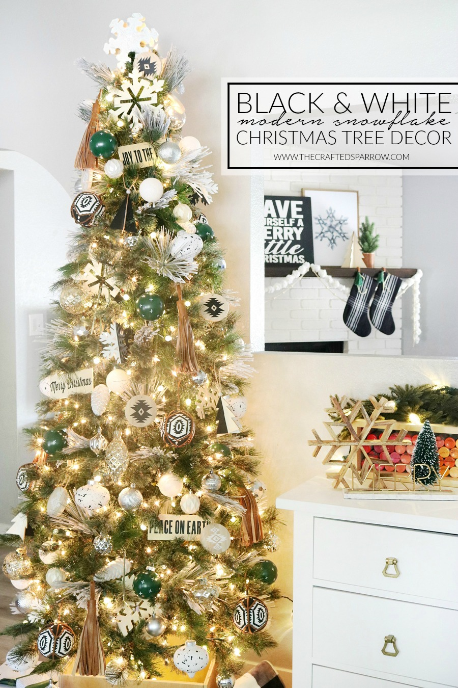 black white modern snowflake christmas tree decor - Photos Of Decorated Christmas Trees
