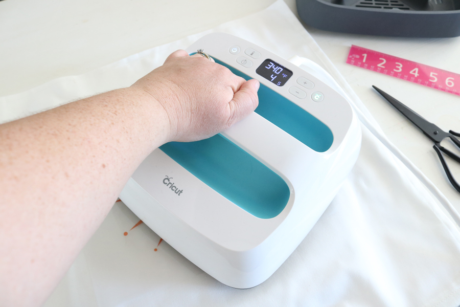 Cricut EasyPress makes crafting a breeze.