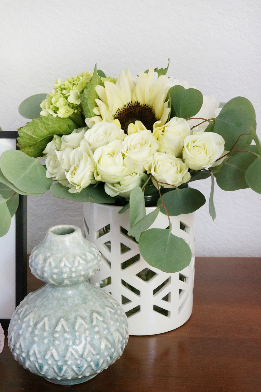 Better Homes & Gardens White and Gold Ceramic Hurrican Candle Holder