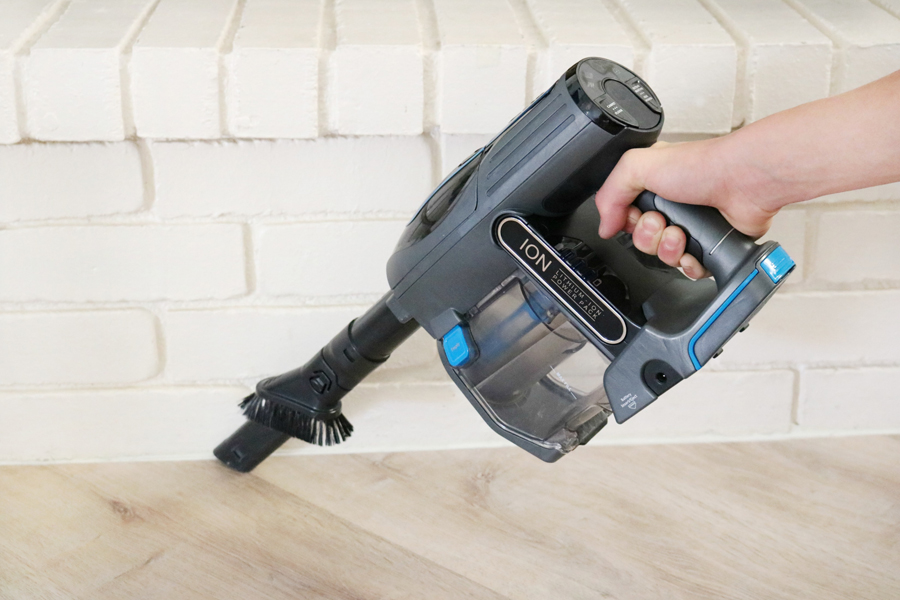 Shark IONFlex Cordless Ultra-Light Vacuum is great for cleaning up small and large messes.