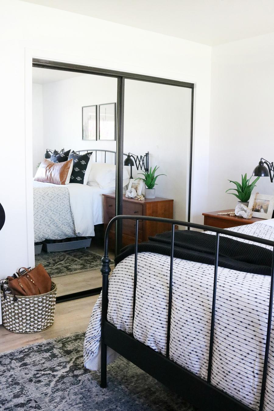 Easy Closet Organization Ideas for a Small Closet