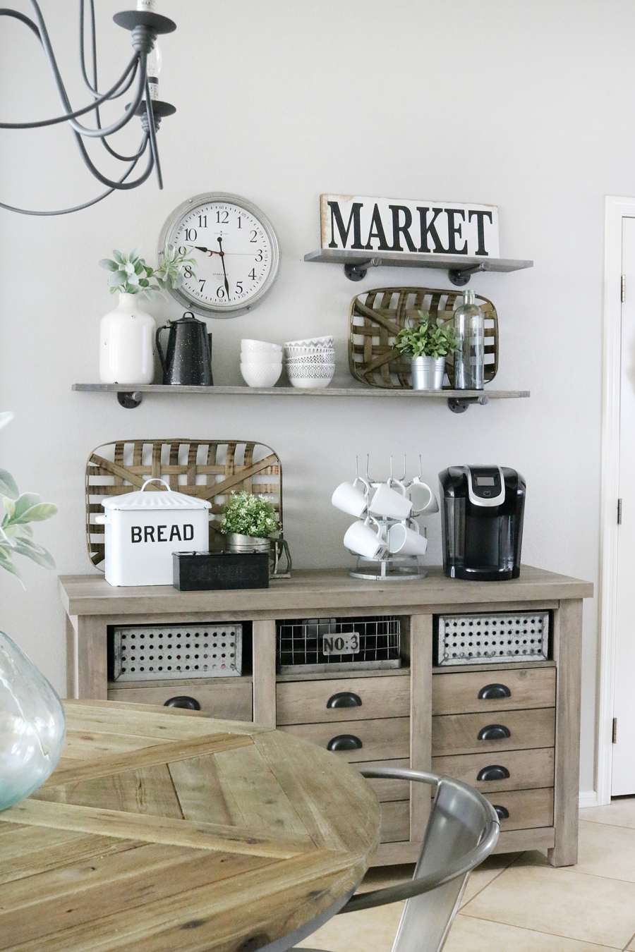 Farmhouse Kitchen Decor: Modern Farmhouse Inspired Coffee Bar Station