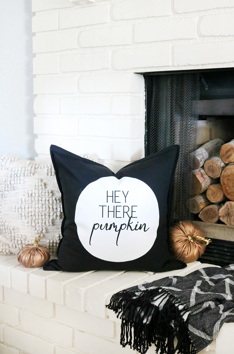 Easy DIY Black & White Fall Pillow