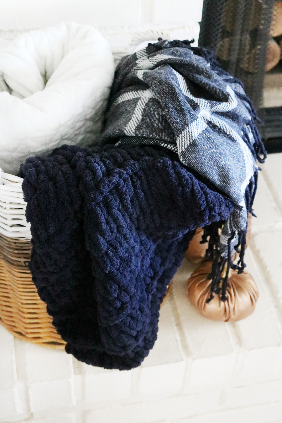 Loopy Yarn Easy Knit Blanket