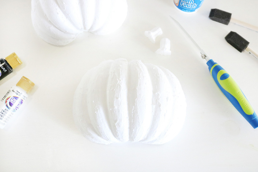 DIY Faux Pumpkin Wall Decor - Coat Foam Pumpkins with Smooth Finish and Sand Smooth for a Chalky Plaster Like Finish.