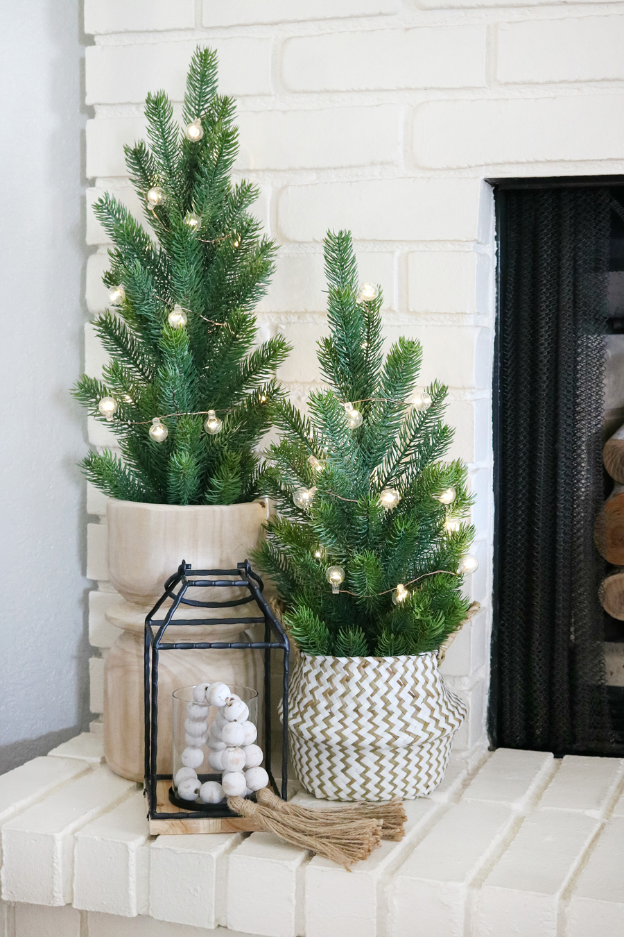 Black White Casual Boho Christmas Mantel Decor Ideas