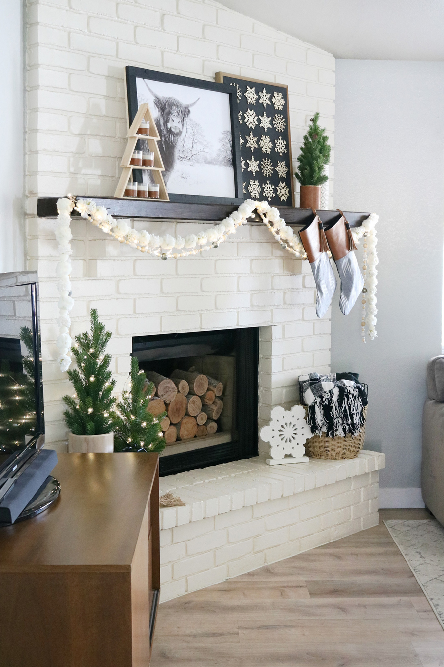 Black & White Casual Boho Christmas Mantel