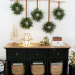 DIY Modern & Simple Christmas Wreath Wall Hanging
