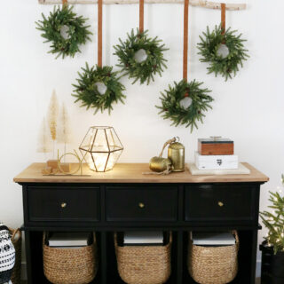 DIY Modern & Simple Christmas Wreath Wall Hanging