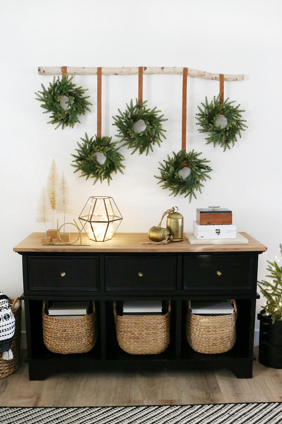DIY Modern Christmas Wreath Wall Hanging